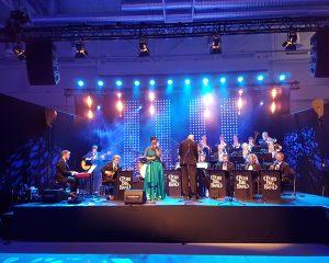 Porin sinfonian Big Band esiintymässä Agora-salissa.