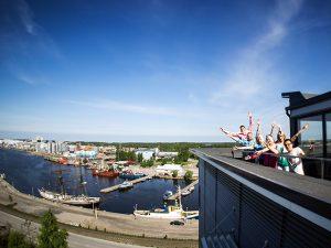 SAMK-kampus Rauman parveke satamassa.