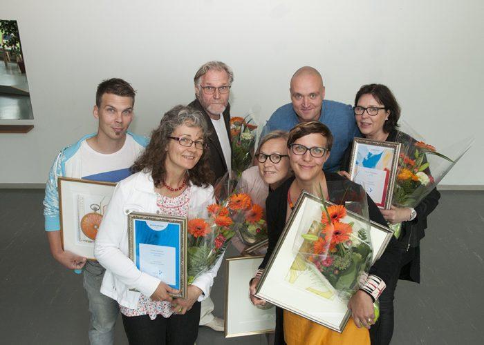 Henkilöstöpäivässä palkittiin samkilaisia. Ryhmäkuvasssa on takana vasemmalta Antti Koivisto, Andrew Sirkka, Harri Heikkinen ja edessä vasemmalta Kaisa Harja, Katrin Kippasto ja Minna Keinänen-Toivola.