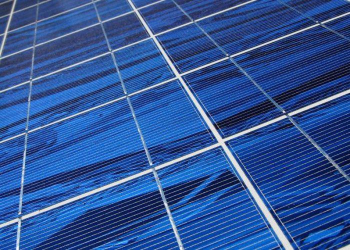 Aurinkopaneeli kuv Petri Lahde