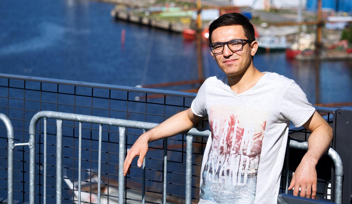 SAMKin opiskelija Rauman satamassa.
