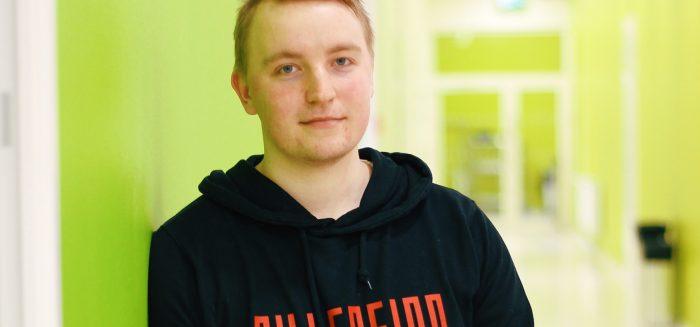 Yrittäjän koulutusohjelman opiskelija Jani Koivumäki SAMKin Porin kampuksella.
