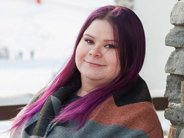 SAMKista restonomiksi (AMK) valmistunut Miina Portti työpaikallaan.