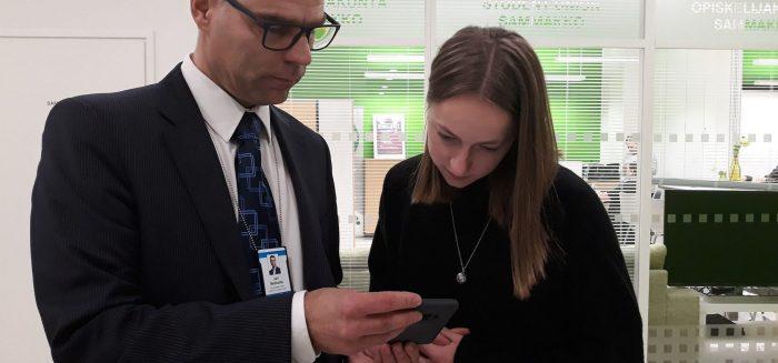 Viimeiseksi yhteiseksi työkseen Jari ja Johanna tarkistivat henkilöstölle lähetettävän YT-toimikunnan esityksestä kertovan viestin. SAMK