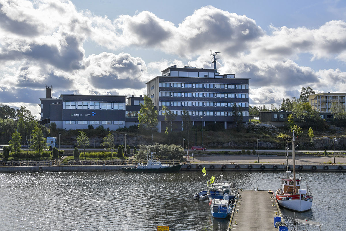 SAMK-kampus Rauma Merimäki veden takana