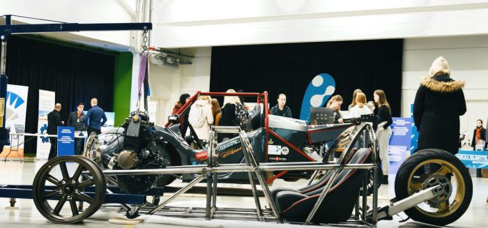 3wheeler-ajoneuvo SAMKin Agora-salissa messutapahtumassa