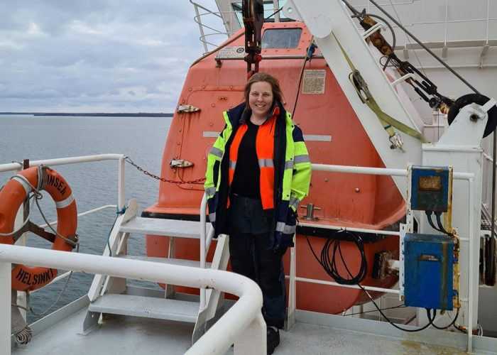 Ina Sohn-Rajamäki laivan kannella